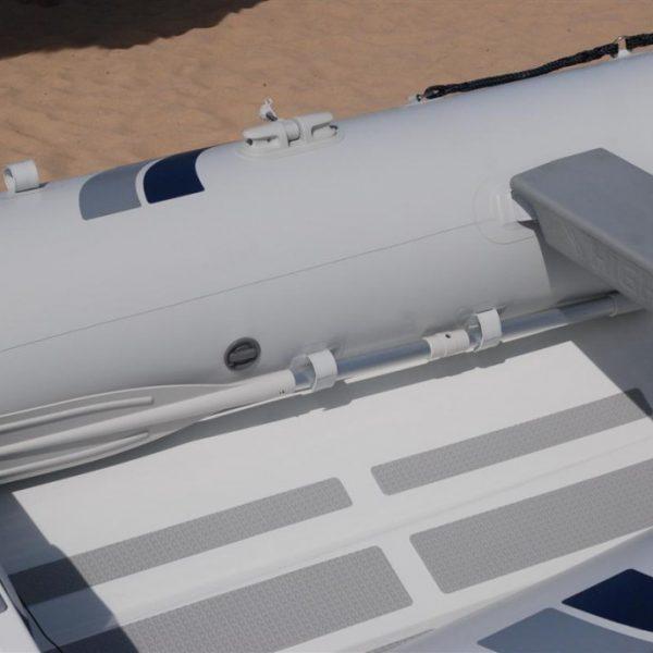 Oars-fit-inboard-1024x688