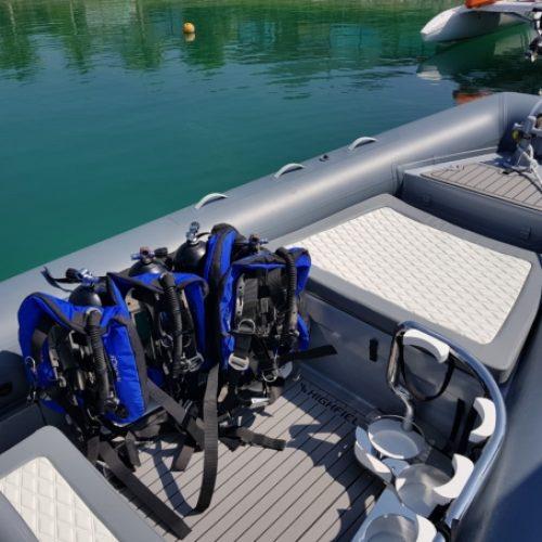 customized-dive-tank-track-storage-highfield-860-6-e1558500040206